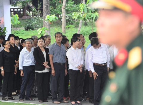 Thu tuong Nguyen Xuan Phuc vieng ong Phan Van Khai tai que nha hinh anh 4