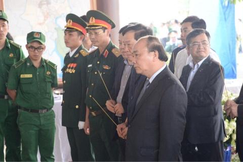 Thu tuong Nguyen Xuan Phuc vieng ong Phan Van Khai tai que nha hinh anh 2