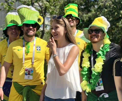 Tinh yeu no ro tren dat Nga mua World Cup hinh anh 6