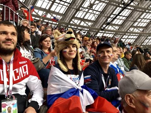 Tinh yeu no ro tren dat Nga mua World Cup hinh anh 2