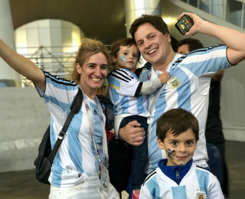 Co dong vien Argentina: 'Chua oi, chung toi da hoi sinh' hinh anh 3