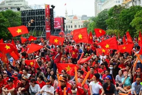 Quận 1 muốn cấm hoàn toàn xe vào phố đi bộ Nguyễn Huệ