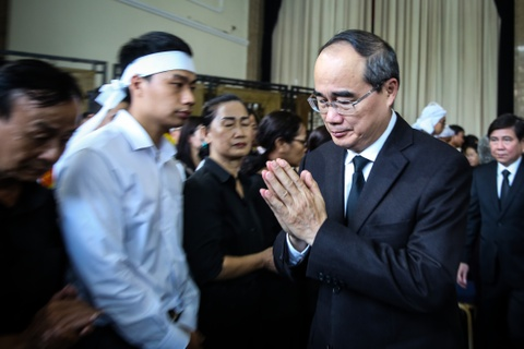 Nuoc mat roi tai le vieng Pho chu tich UBND TP.HCM Nguyen Thi Thu hinh anh 3