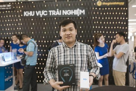 Su kien mo ban Galaxy A6/A6+ cua The Gioi Di Dong tai Van Hanh Mall hinh anh