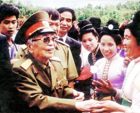 Chien thang lich su Dien Bien Phu - dau moc bang vang hinh anh 7