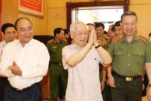 Tong bi thu: 'Khong de can bo vi pham co cau vao cap uy' hinh anh