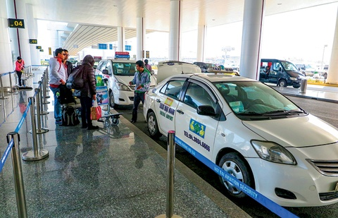 Taxi khong qua 6 tuoi moi duoc cho khach o Noi Bai? hinh anh
