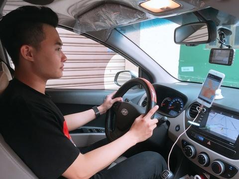 Mot tuan truoc khi Uber roi VN: Hang bo khuyen mai, tai xe dong app hinh anh 2
