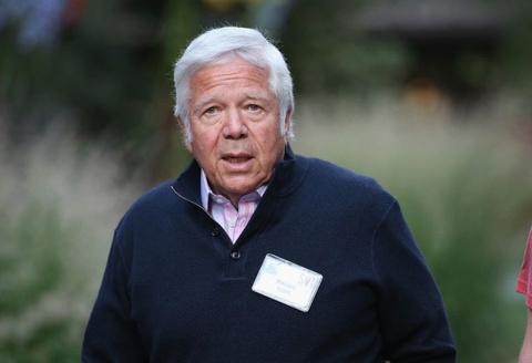 Ông chủ tỷ phú của đội bóng Mỹ dính cáo buộc mua dâm