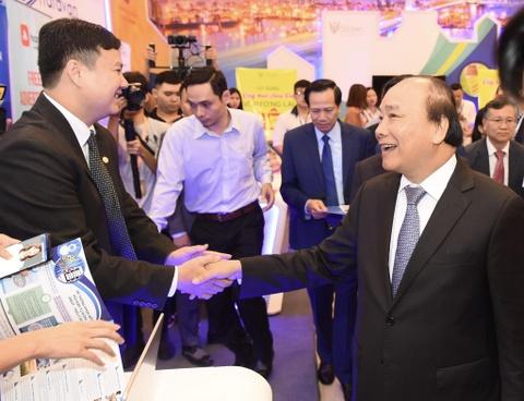 Thu tuong trai nghiem cac san pham cong nghe cao 'Make in Vietnam' hinh anh 3
