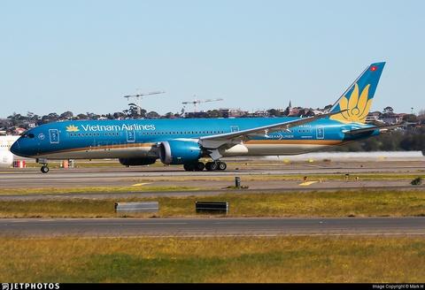 May bay Vietnam Airlines suyt ha canh khong co banh sau tai Australia hinh anh