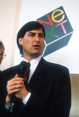 Khong phai Steve Jobs, Tim Cook moi la CEO tot nhat Apple tung co hinh anh 2