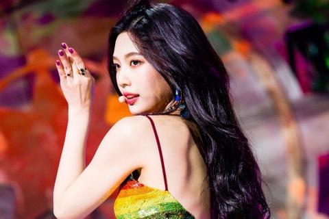 5 biểu tượng quyến rũ thế hệ mới của Kpop