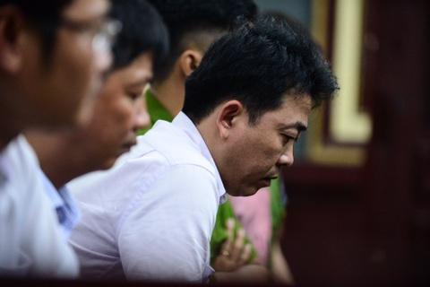 Bat nguyen Tong giam doc VN Pharma tai toa: Qua bat ngo hinh anh