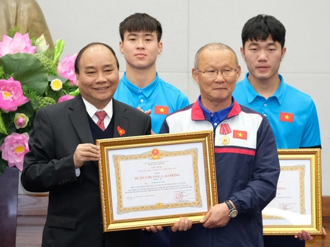 Thu tuong: Toi da cho doi U23 Viet Nam hon 5 gio dong ho hinh anh 10