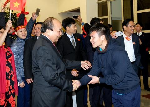 Thu tuong: Toi da cho doi U23 Viet Nam hon 5 gio dong ho hinh anh 1
