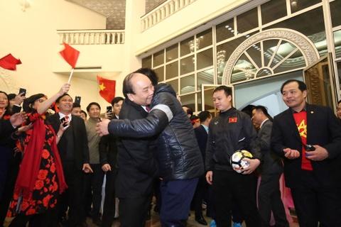 Thu tuong: Toi da cho doi U23 Viet Nam hon 5 gio dong ho hinh anh 2