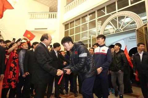 Thu tuong: Toi da cho doi U23 Viet Nam hon 5 gio dong ho hinh anh 4