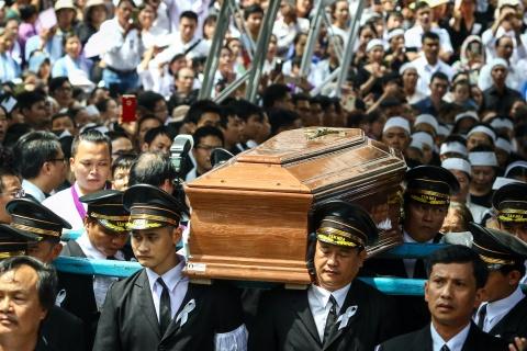 An tang co Tong giam muc Bui Van Doc trong nha nguyen co o Sai Gon hinh anh 10