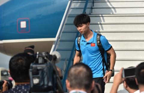 Chuyen bay ve nuoc vui ve cua thay tro HLV Park Hang-seo hinh anh 11