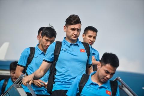Chuyen bay ve nuoc vui ve cua thay tro HLV Park Hang-seo hinh anh 7