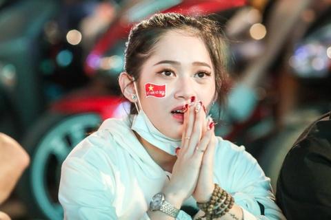 Nguoi ham mo Sai Gon co vu cuong nhiet tuyen Viet Nam hinh anh