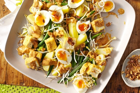Mon salad o cac nuoc tren the gioi khac nhau the nao? hinh anh