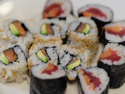 8 bi mat hau truong cac dau bep sushi thuc thu hiem khi tiet lo hinh anh 2