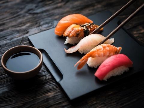 8 bi mat hau truong cac dau bep sushi thuc thu hiem khi tiet lo hinh anh 4