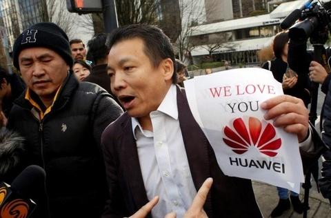 Dam dong gay on ao tai phien toa 'cong chua Huawei' hinh anh