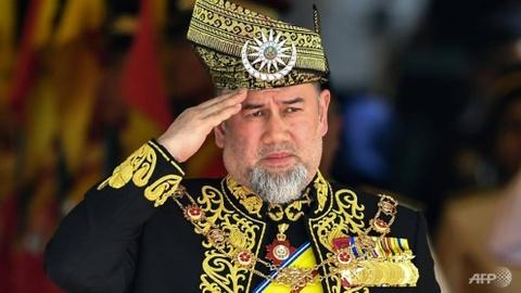 Vua Malaysia bat ngo thoai vi sau khi cuoi hoa hau nguoi Nga hinh anh