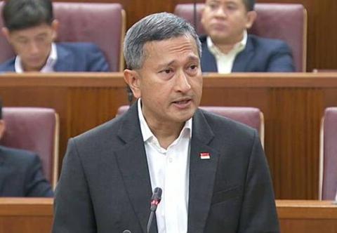Cang thang tren bien, Singapore canh bao Malaysia 'cho dien tro he' hinh anh