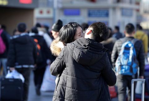 3 tỷ chuyến đi trong 40 ngày: Người TQ bắt đầu 'Xuân vận' để về ăn Tết