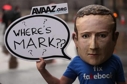 Nghi si Anh chi trich Facebook la 'xa hoi den ky thuat so' hinh anh 1