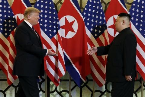 Chieu nay, ong Trump va ong Kim se ky tuyen bo chung o Ha Noi hinh anh 1