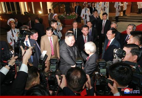 Chuyen tham Viet Nam cua ong Kim Jong Un qua goc may KCNA hinh anh 10