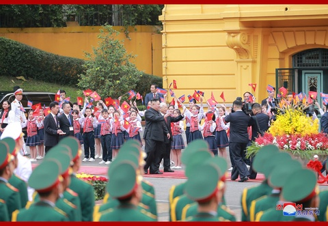 Chuyen tham Viet Nam cua ong Kim Jong Un qua goc may KCNA hinh anh 2