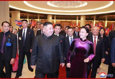 Chuyen tham Viet Nam cua ong Kim Jong Un qua goc may KCNA hinh anh 8