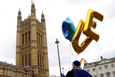 Bi kich hay hai kich: Nguoi Anh hoang mang ve Brexit hinh anh 5