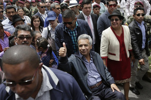 Chien dich 36 gio tong 'nguoi luoi tam' tu WikiLeaks khoi DSQ Ecuador hinh anh 1