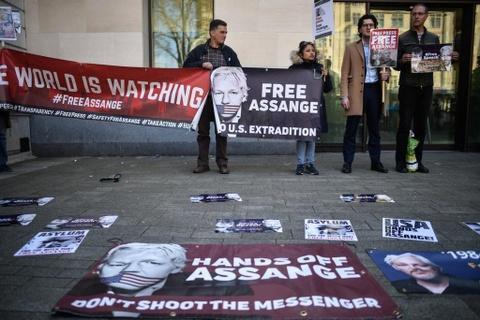 WikiLeaks va Julian Assange: Chuyen dai chua bao gio co hoi ket hinh anh 5
