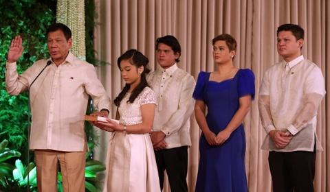 Co con gai cung ran cua TT Duterte se la ung vien tong thong cho 2022? hinh anh 4