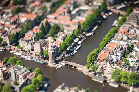 Amsterdam nhu thanh pho do choi duoi ong kinh tilt-shift hinh anh 1