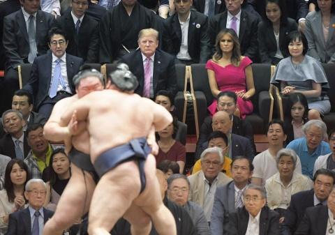 TT Trump khien nguoi Nhat thich thu khi di xem sumo hinh anh 7