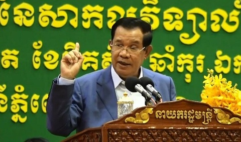 Thu tuong Hun Sen benh vuc cau thu goc Viet sut truot penalty hinh anh