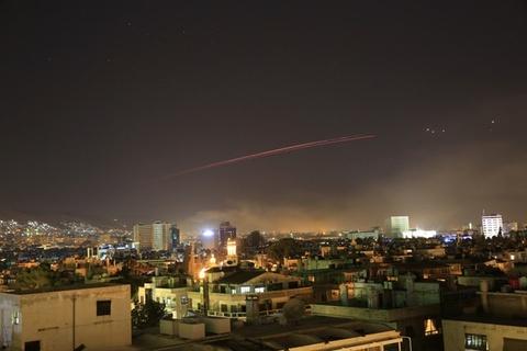 Sat thu phong khong giup Syria ban ha Tomahawk cua My hinh anh 1