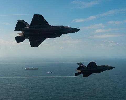 F-35 lan dau ha canh tren tau san bay dat nhat cua Anh hinh anh 3