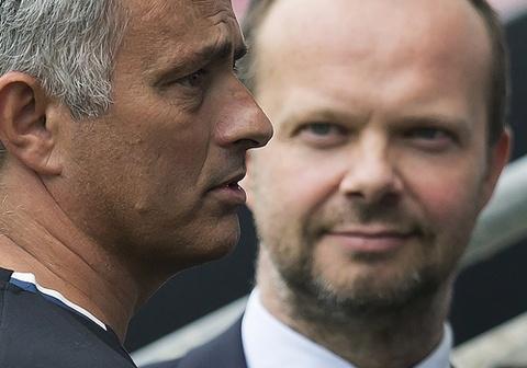 Chính Ed Woodward là thủ phạm gây khủng hoảng ở Man United