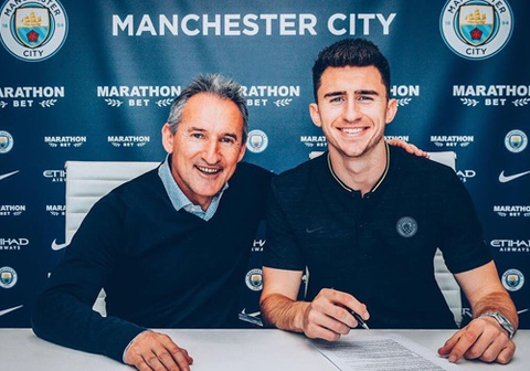 Man City ký hợp đồng với Laporte đến năm 2025