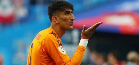 Thu mon Iran tiet lo cach danh bai Ronaldo tren cham phat den hinh anh